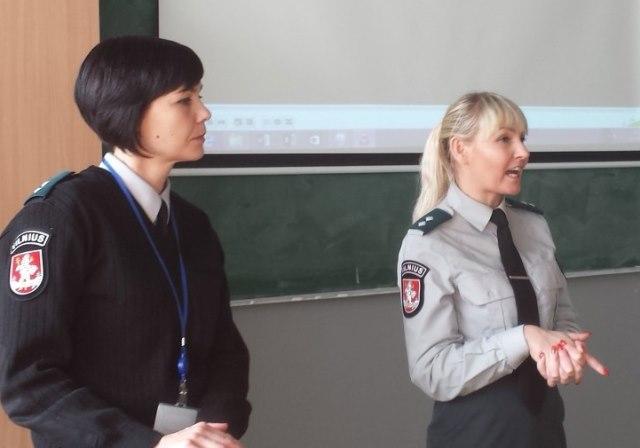 2017-04-06  Susitikimas su pareigūnėmis