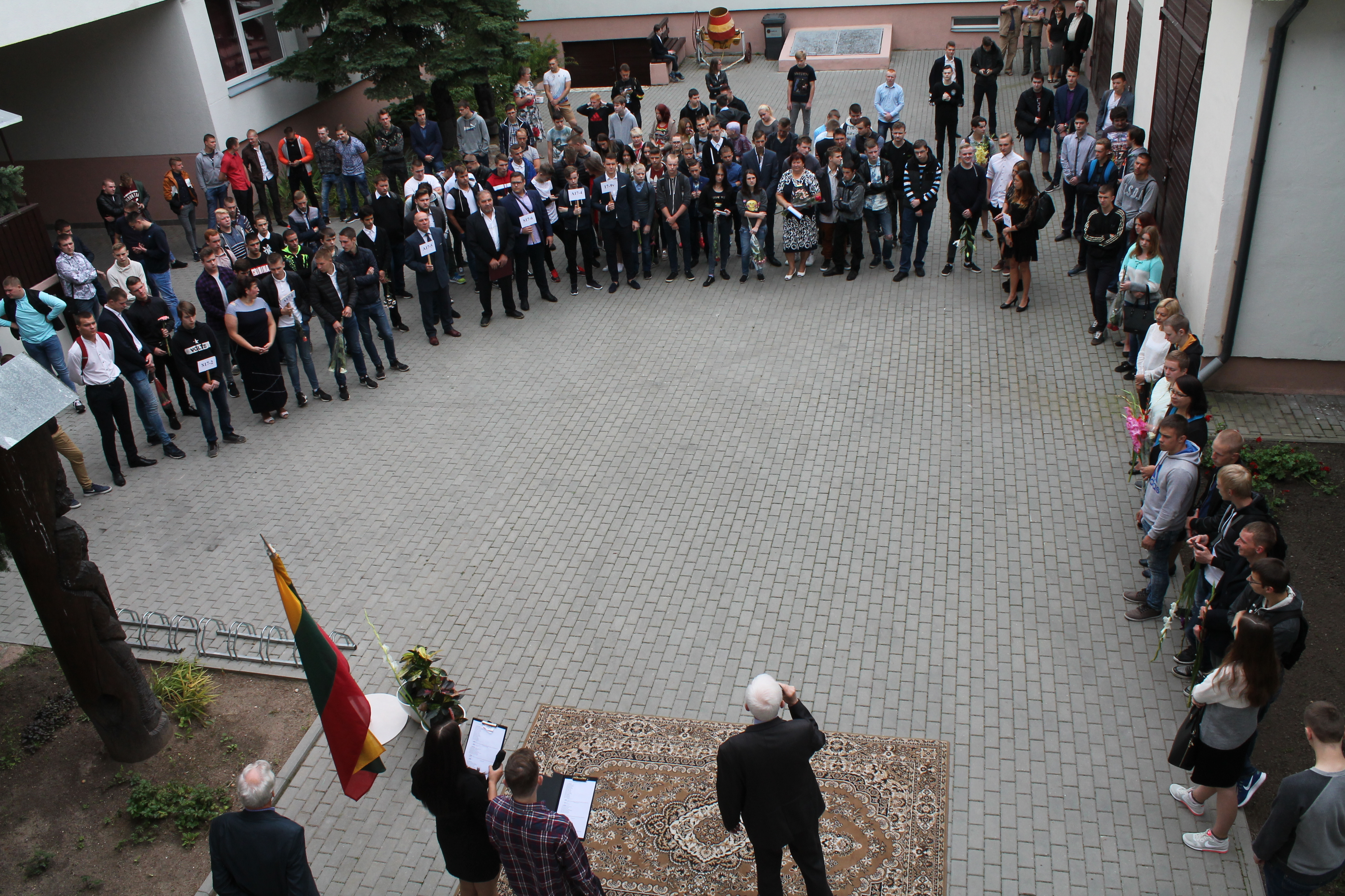 2017-09-01 Rugsėjo pirmoji – mokslo ir žinių šventė.