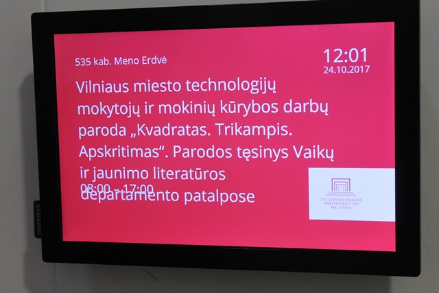 """2017-10-24 Vilniaus miesto technologijų mokytojų ir mokinių kūrybos darbų parodoje """"Kvadratas. Trikampis. Apskritimas""""."""
