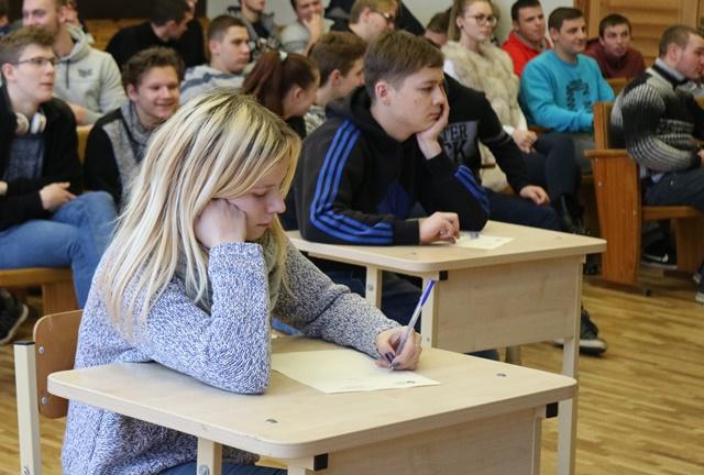 """2017-12-21 Sumaniųjų mūšis """"Metų protas – 2017 m""""."""